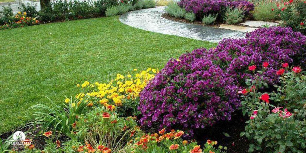 تزئین حیاط با چمن مصنوعی
